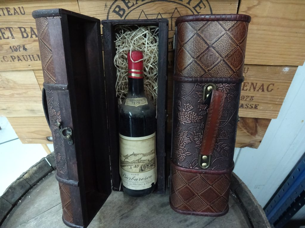 Vintage wooden wine box deluxe. From 29,99 for