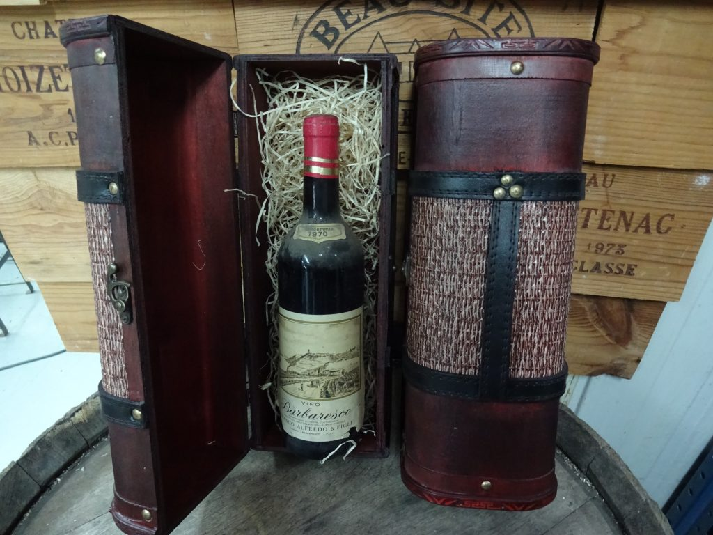 Vintage wooden wine box. From 24,99 for